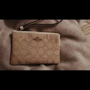 Brand new coach wristlet cream and beige